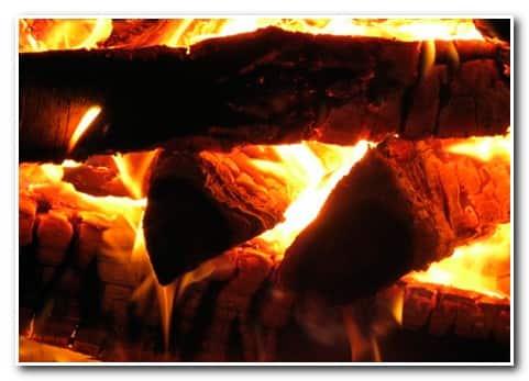 Как топить баню – правильная закладка дров
